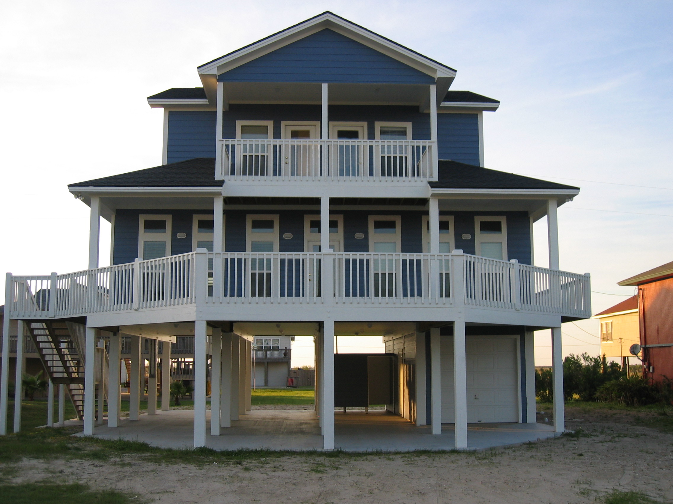 Modular home plans on pilings home design idea for Beachfront house plans